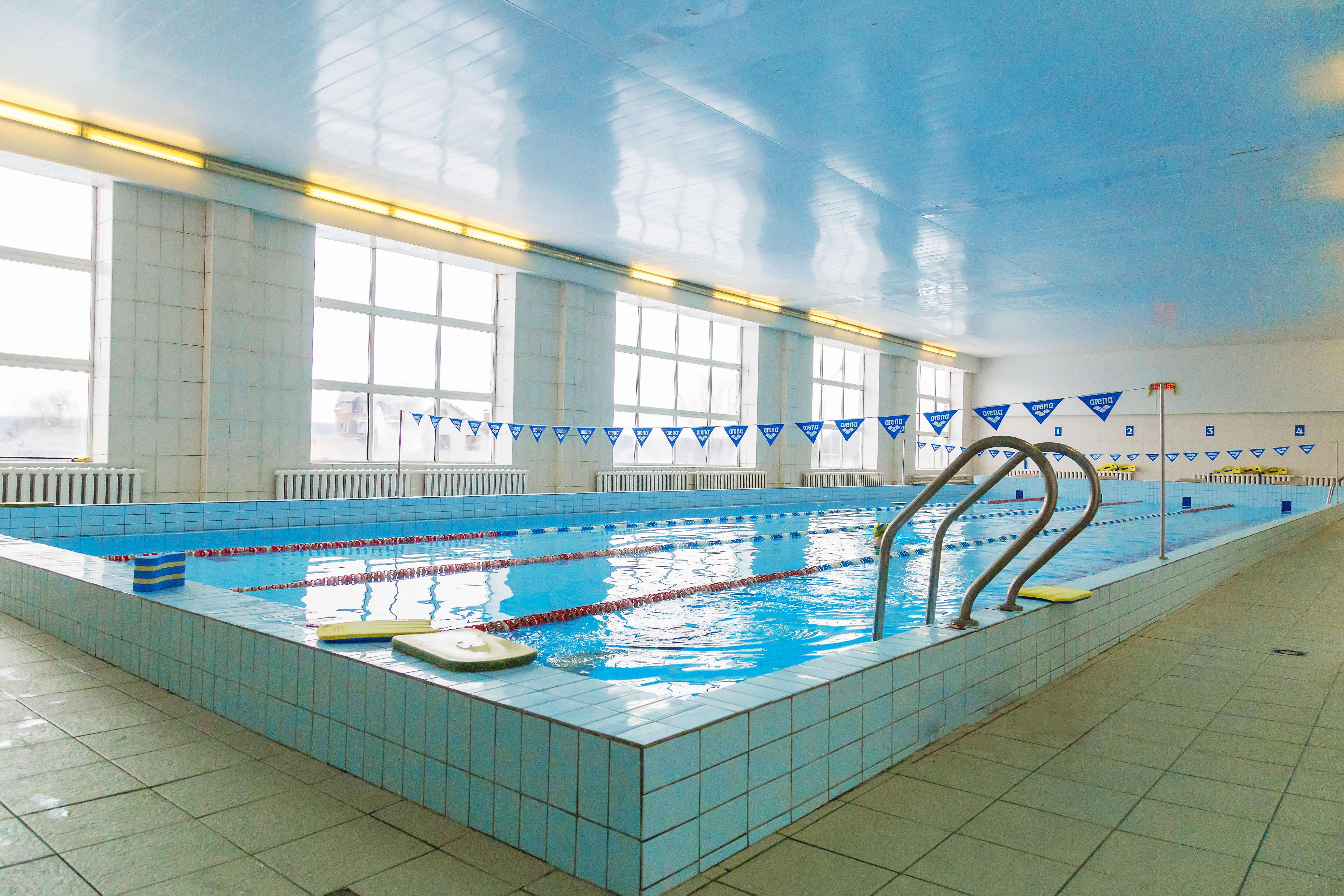 Бортничи: большой бассейн, временно, не работает