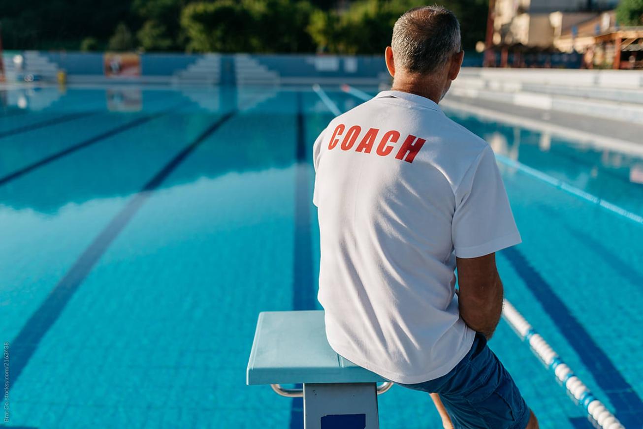 Вакансия: Тренер по плаванию