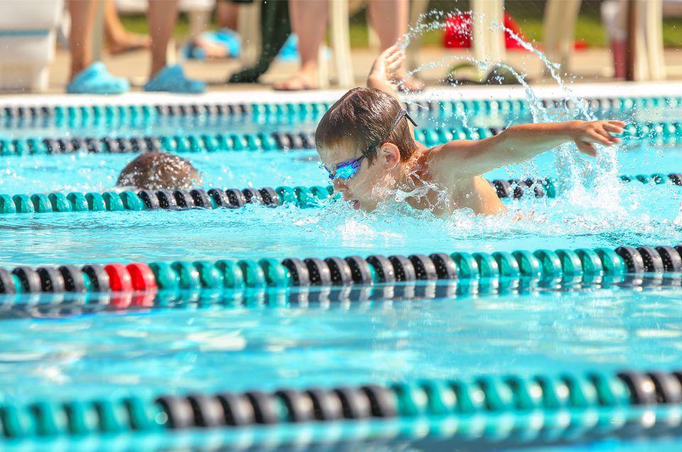 Бассейн на Троещине: детские соревнования